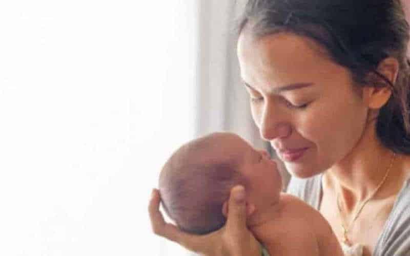 principais cuidados com o bebê recém nascido em casa