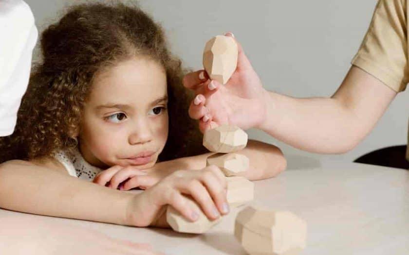 Os brinquedos que são adaptados para crianças com paralisia cerebral