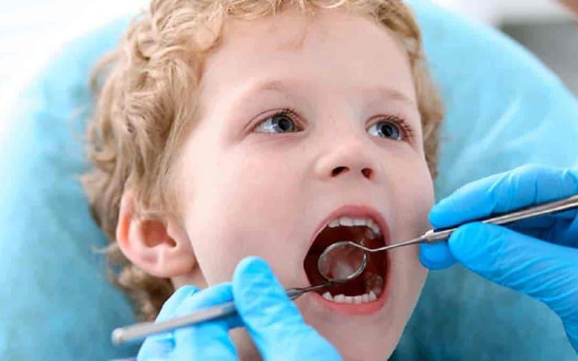 Acompanhamento odontológico na infância, entenda a importância para os pequenos
