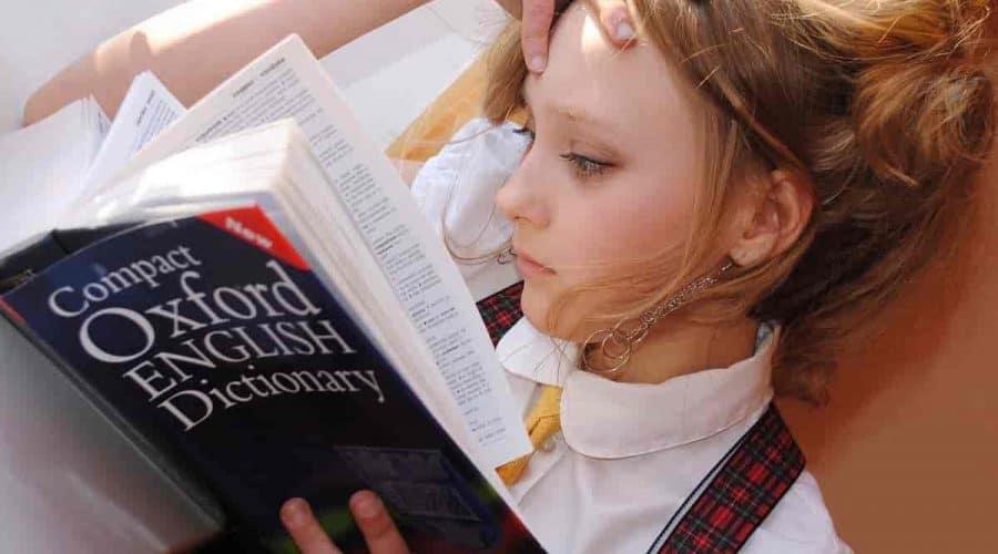 formas de incentivar as crianças a pensarem em inglês