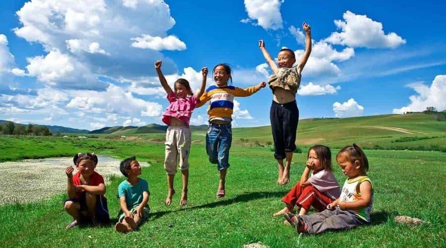 Como incentivar as crianças a brincarem mais ao ar livre